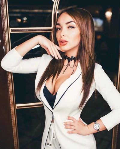 Get acquainted with a pretty Russian girl for love and romance